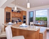11-sandysurf_kitchen2-800x516