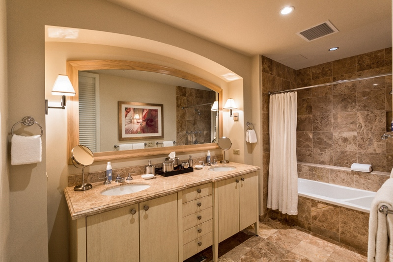 20-aqualani_bedroom-2-bath-800x534