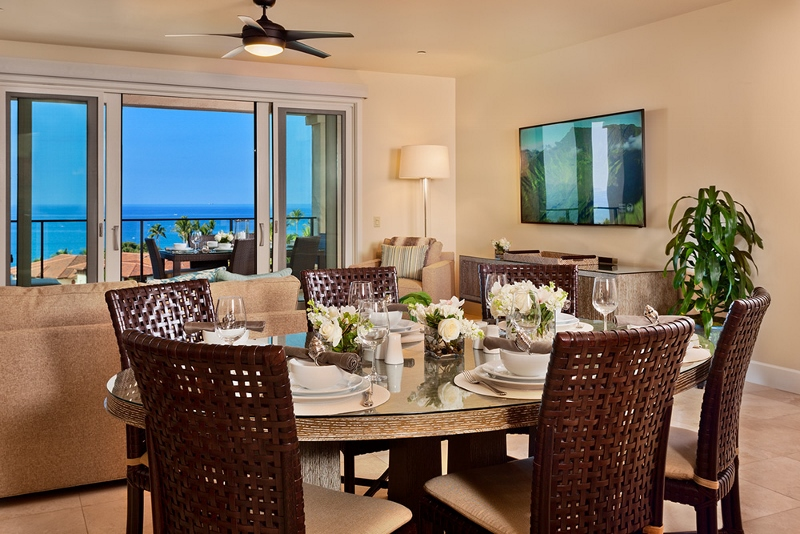 3-sea-breeze_dining-800x534