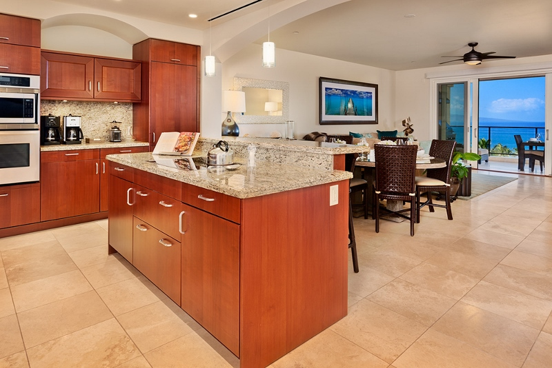 5-sea-breeze_kitchen-800x534