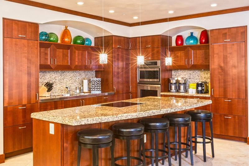 13-sandcastlessuite_kitchen-counter-800x534