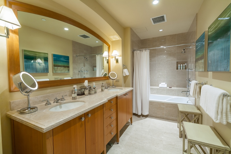 22-orientpacific_second-master-bath-800x534