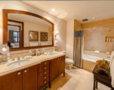25-regalmandalay_second-master-bath-800x534