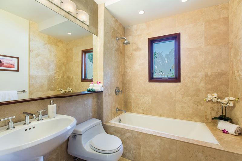 15-lanikai-hillside_shared-hall-bath-for-br2