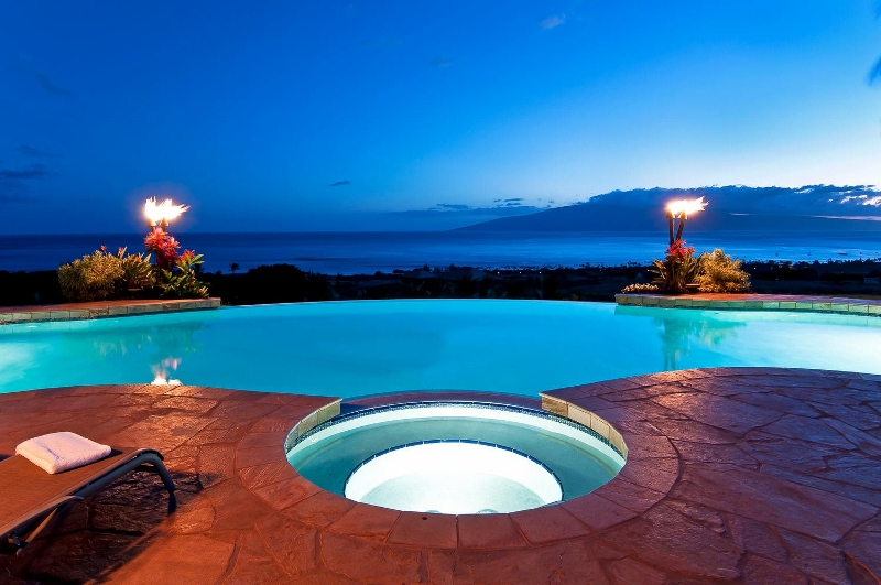 15-pacific-view_pool-spa2-800x531