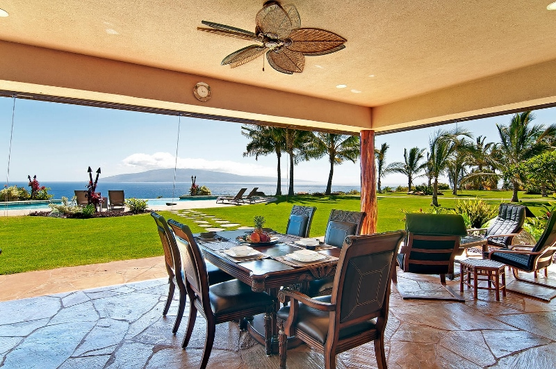 23-pacific-view_lanai-dining-800x531
