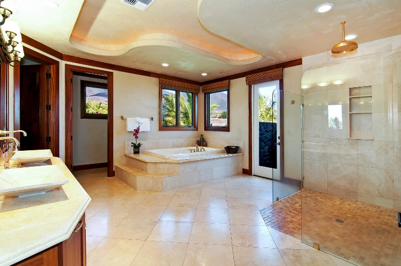 44-pacific-view_master-bath-800x531