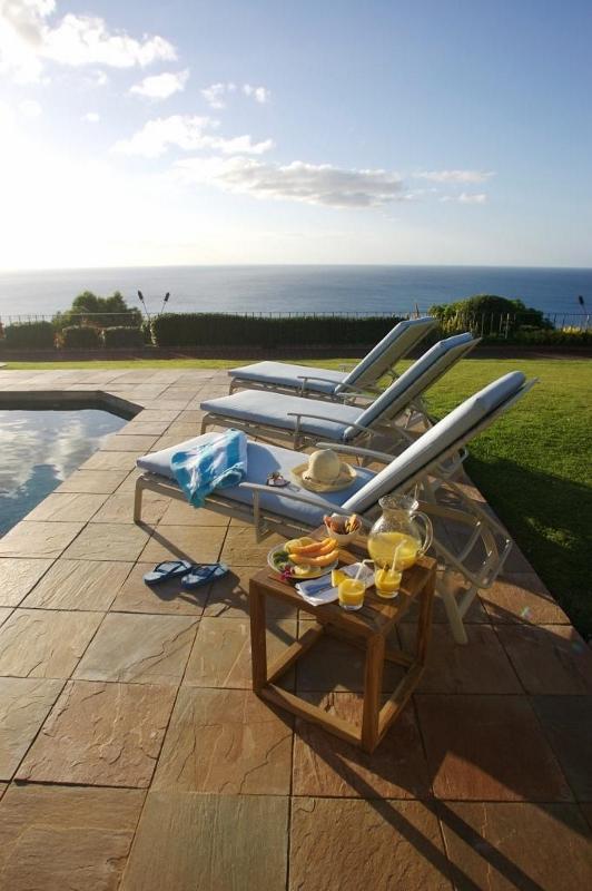 16-spa-estate_poolsidelounge-532x800