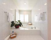 25-serenity-villa_master-bath2-800x534