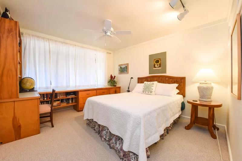 26-serenity-villa_bedroom-downstairs-800x534