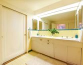 27-serenity-villa_yellow-bath-800x534