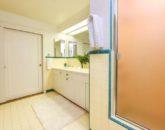 27-1-serenity-villa_central-bath3-800x534