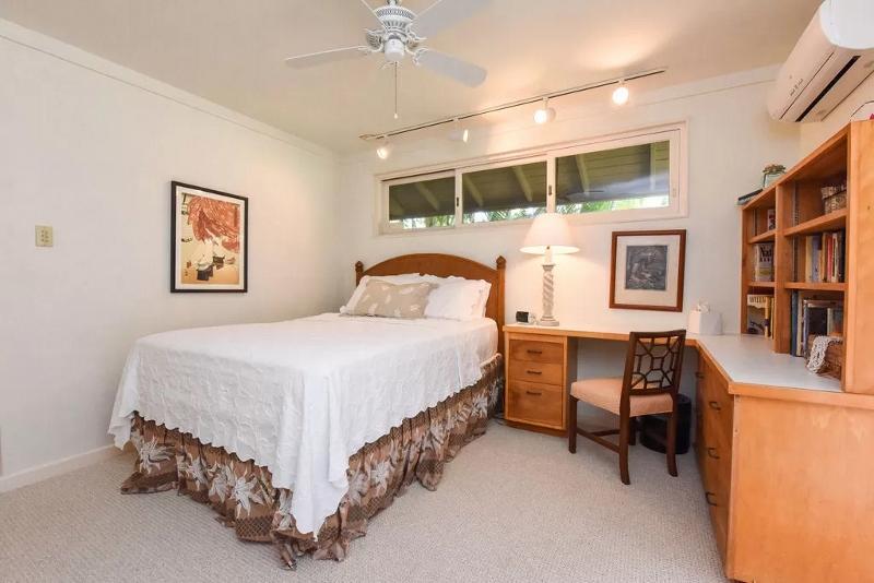 28-serenity-villa_bedroom-downstairs-2-800x534