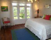 30-spa-estate_makaisuitedownstairs2-800x600