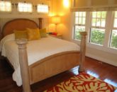 31-spa-estate_maukabedroomdownstairs-800x600