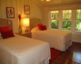 32-spa-estate_twinbedroomdownstairs-800x600