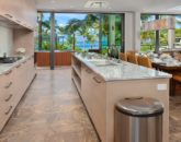 11-seaspirit811_kitchen-800x533
