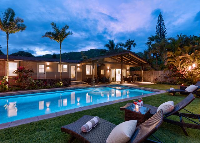 1 vHale Mokulua_pool evening