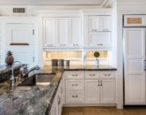 24-hawaiiana-hale_kitchen2-800x535
