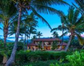 6-1-hawaiiana-hale_home-from-beach-800x534