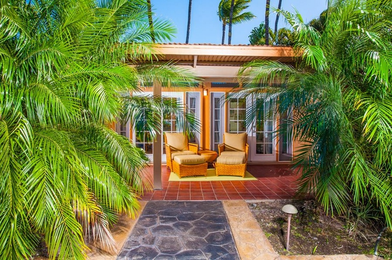 20-moana-hideaway_cottage-lanai-800x532