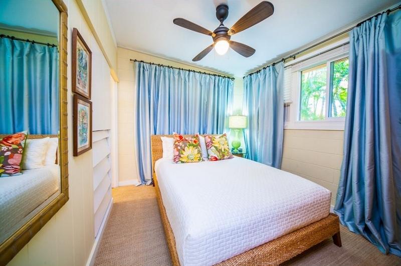 21-moana-hideaway_bedroom-4-cottage-queen-800x531