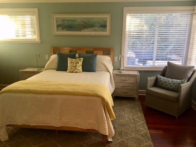 21-2-tropical-retreat-img_1488-bedroom-green