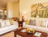 5-moana-hideaway_great-room-seating-800x483
