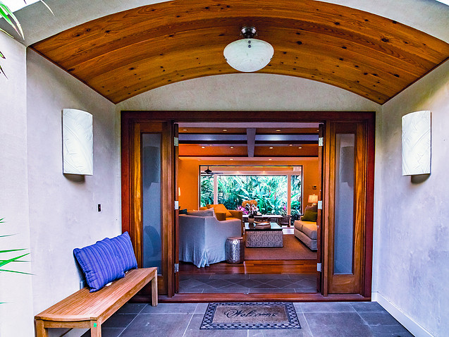 6-tropical-retreat_front-entry