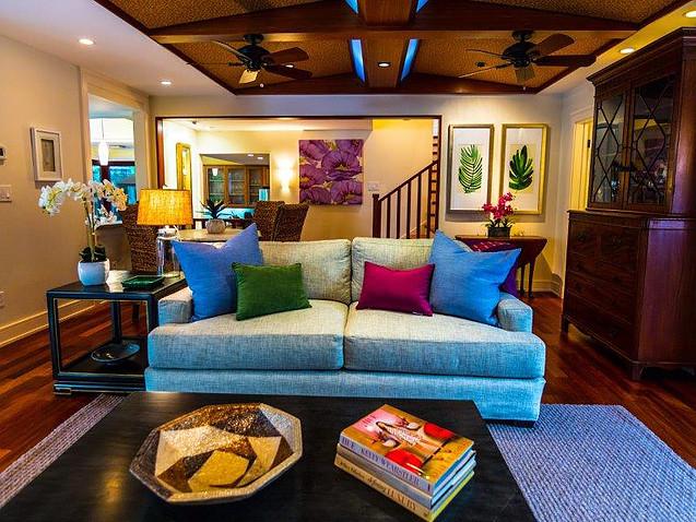 9-1-tropical-retreat_living-room2