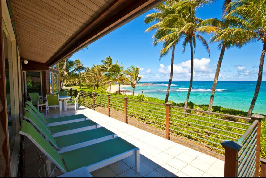 1 Luana Beachfront_lanai2