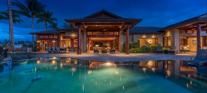 11-pauoa-luxury-estate_home-evening-800x359