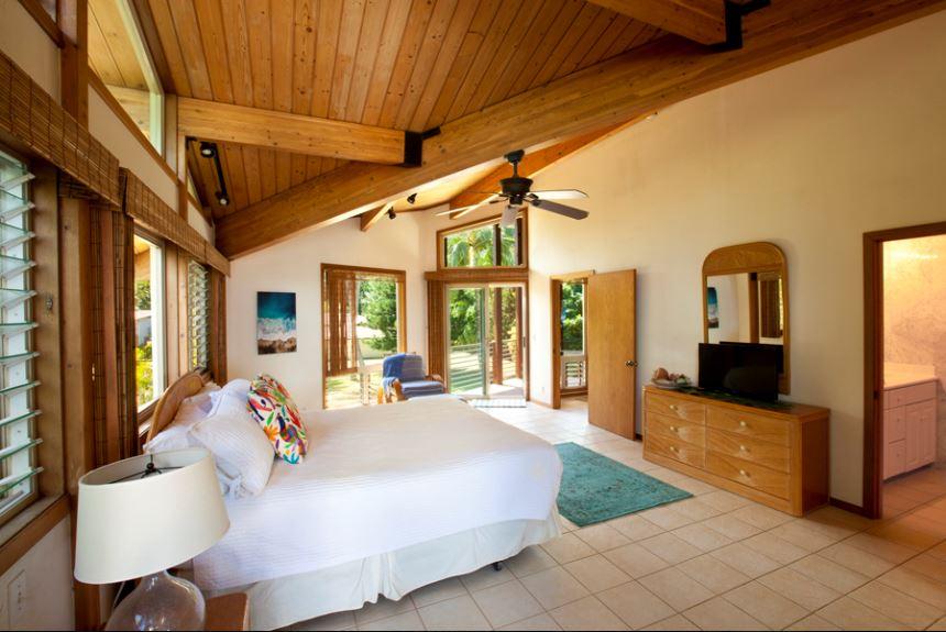 12-luana-beachfront_bedroom1