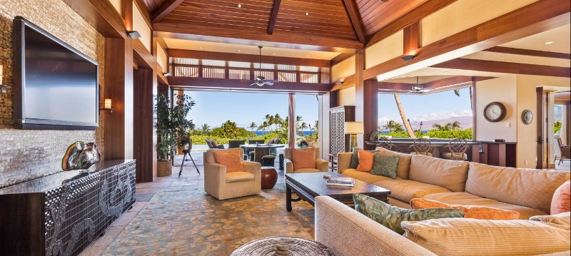 12-pauoa-luxury-estate_living-800x359