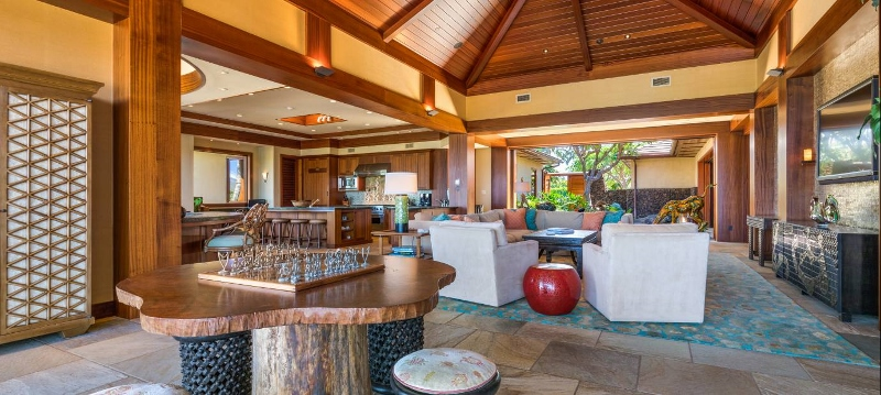 13-pauoa-luxury-estate_living2-800x359