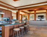 16-pauoa-luxury-estate_kitchen2-800x359