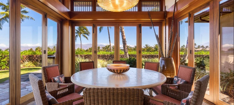 17-pauoa-luxury-estate_dining-800x359