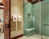 20-pauoa-luxury-estate_bath1-800x359