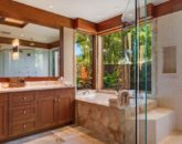 22-pauoa-luxury-estate_bath2-800x359