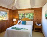 24-luana-beachfront-cottage_bedroom1
