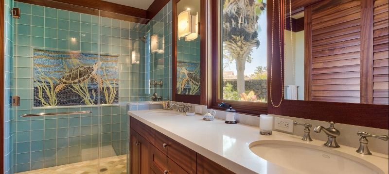 24-pauoa-luxury-estate_bath3-800x359