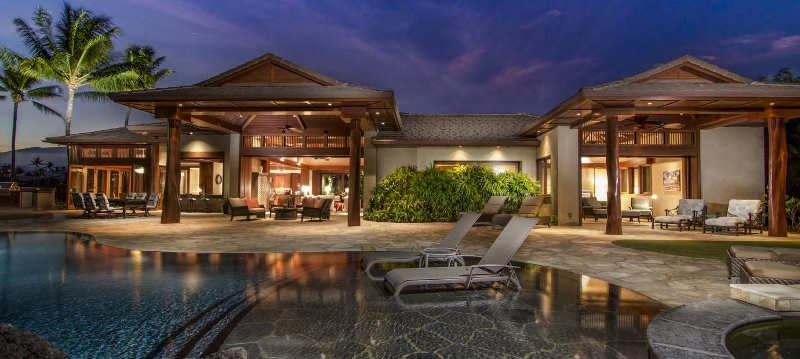 5-pauoa-luxury-estate_pool-exterior-800x359