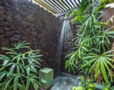 22-haliipua-villa-104_master-outdoor-shower