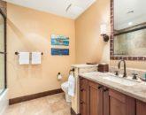 24-haliipua-villa-104_bedroom2-bath