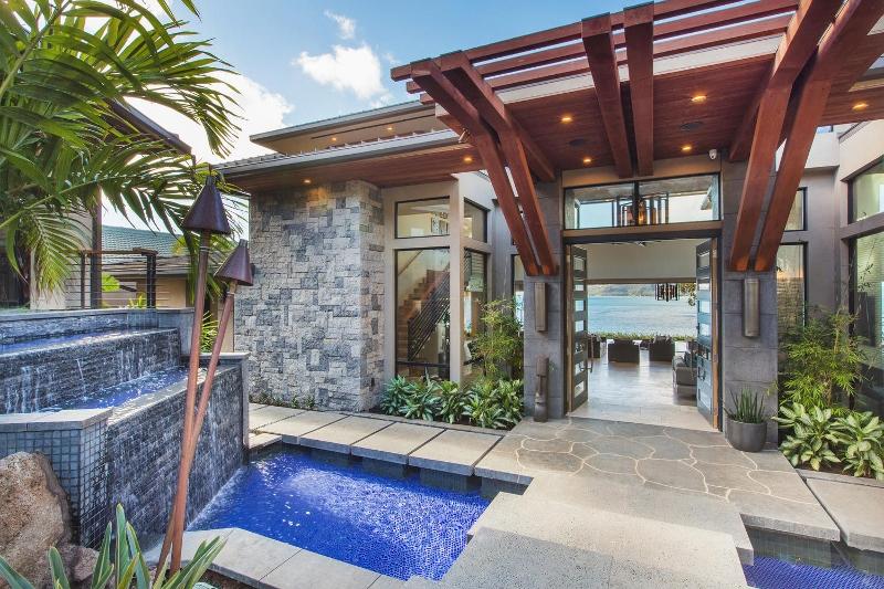 10-ocean-estate_entry-800x533