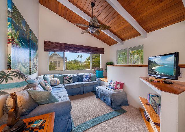 11-kailua-tropical-oasis_living-guest