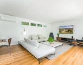 13-makalei-hale_living-room2-800x533