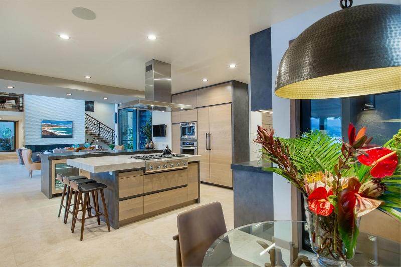 21-ocean-estate_kitchen2-800x533
