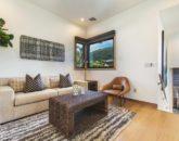 28-ocean-estate_master-sitting-sofa-800x534