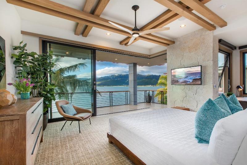32-ocean-estate_bedroom-2-main-800x533